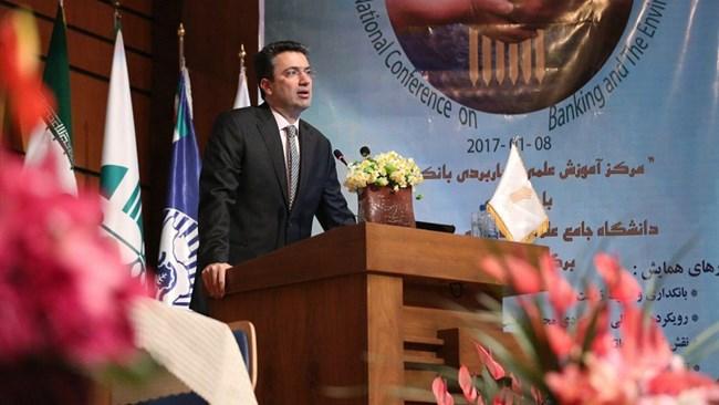 نخستین همایش ملی بانکداری و محیط زیست در سازمان ملی محیط زیست برگزار شد و نایب رئیس اتاق ایران نیز در این همایش سخنرانی کرد.