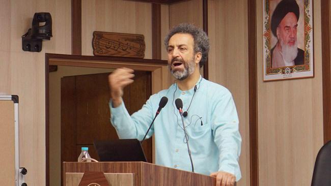 محسن رنانی اقتصاددان در سخنرانی اخیر خود، شرایط فعلی اقتصاد ایران را تحلیل کرد و راه برون رفت از رکود فعلی را مورد بررسی قرار داد.