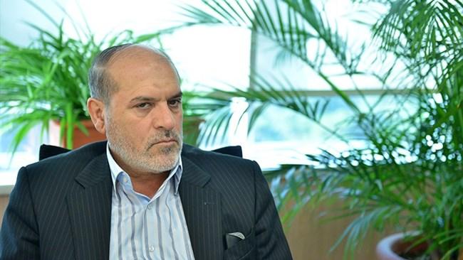 محمود نجفی عرب تأکید میکند: در شرایط جنگ اقتصادی فعلی که بیثباتی قوانین داخلی هم به وخامت آن دامن زده است، باید مراقب سرمایههای داخلی باشیم و تاکید بر جذب سرمایههای خارجی باعث نشود تا آنها در حاشیه قرار گیرند.
