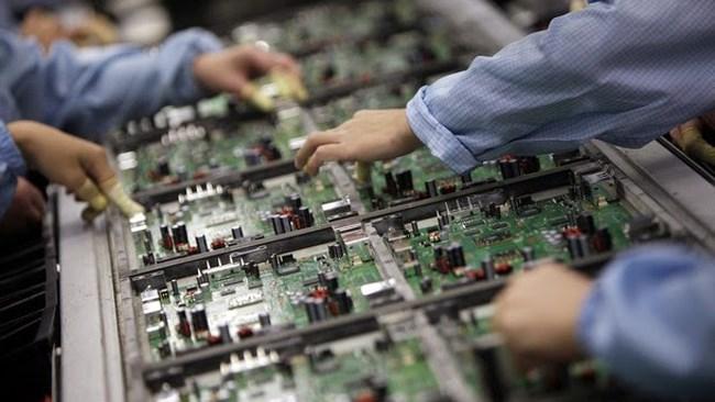 کمیسیون فناوری اطلاعات و ارتباطات اتاق ایران در گزارشی وضعیت شاخصهای تکامل دیجیتالی اقتصادها را بررسی کرد؛ اگرچه در سال2020 حجم اقتصادها حدود 4.4 درصد کوچک شد ولی دیجیتالیشدن کشورها با سرعت بیشتری انجام شد.