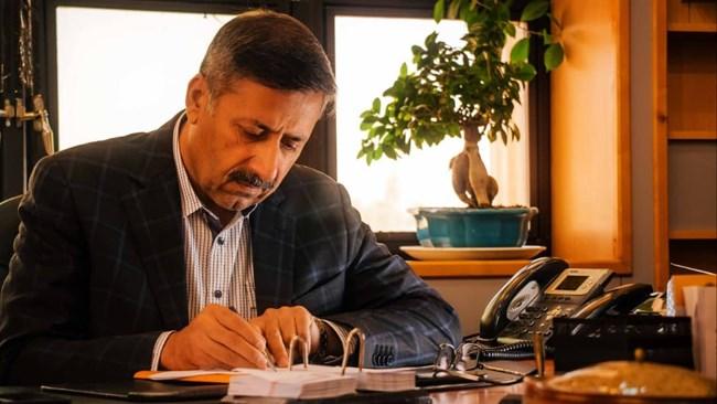 مدیرعامل منطقه ویژه اقتصادی شیراز معتقد است: - دبیرخانه شوراى عالى مناطق، برای کاهش اثرات ویروس کرونا در جهت حذف بخشنامههاى محدود کننده، مانند بخشنامه ثبت سفارش، تلاش کند. همچنین گمرکات مستقر در مناطق ویژه اقتصادى، سیاست سهلگیرانهترى را با واحدهاى صنعتى در پیش گیرد.