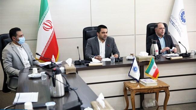 اعضای کمیسیون بازرگانی داخلی اتاق ایران در نشست اخیر این کمیسیون به بررسی توانمندیهای صنعت پخش و چالشهای پیشروی این صنعت پرداختند. به اعتقاد آنها نبود یک متولی مشخص برای این حوزه و وجود قوانین موازی، دو معضل جدی در برابر صنعت پخش است.