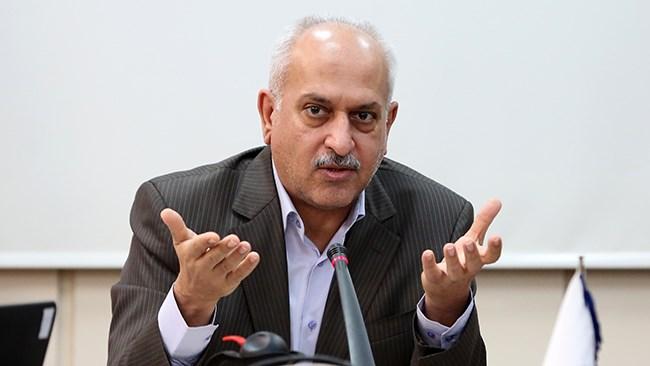 کاشفی، رئیس اتاق مشترک ایران و سوریه میگوید: از بیستم اسفندماه کشتی لاینر از بندرعباس به سمت بندر لاذقیه حرکت خواهد کرد. قرار است بیستم هر ماه این کشتی کالای صادراتی از ایران به سوریه حمل کند. هیچ محدودیتی در اقلام صادراتی وجود ندارد.